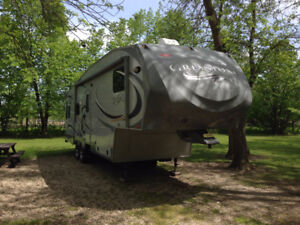Heartland Greystone 32RL Fifth Wheel