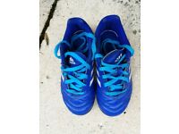 adidas Boy's Football shoes Size 11