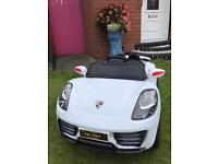 6v Porsche style electric car - LIKE NEW Age 3-5 years