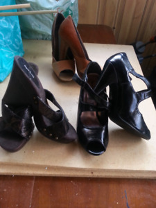 Barely worn women's dressy shoes