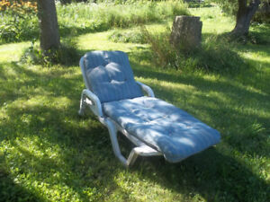 Blue Plastic Composite Outdoor Lounge Chair