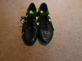 Under Armour Size 9 Football Boots