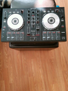 Hey looking for a DJ?  Look no more!!