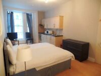 **SPECIAL OFFER**STUDIO FLAT IN SOUTH KENSINGTON NEAR IMPERIAL COLLEGE**