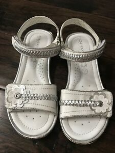 Girl's Full Leather Geox Sandals, Like New - Size 31 (US 1)