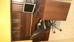 Corner unit office desk
