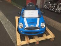 Electric Mini Car with Charger As new condition - Bought at Christmas Hardly Used