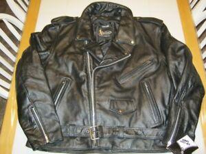 Manteau et chaps de moto en cuir