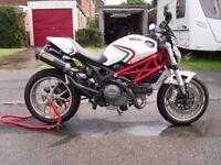 Ducati monster 796 2011