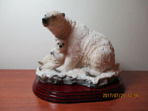 Sculpture canadienne – Ours blanc
