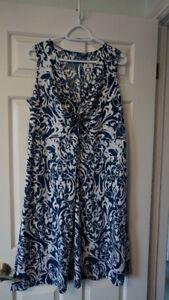 Size X Navy Blue & White Dress Excellent condition.