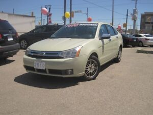 2010 FORD FOCUS SE | Loaded • Auto • Sedan