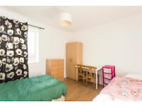 BED in a shared room in Kilburn Park*Bills included*