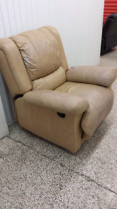 Leather lazy boy recliner DELIVERY INCLUDED