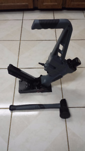 Flooring Nailer/Stapler