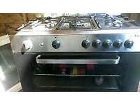 Baumatic 5 ring gas cooker with large double sized oven
