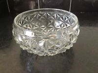 Lovely Vintage glass serving dish with sunburst base - in excellent condition
