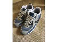 UK Sz 2 Nike Air Max