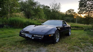 Clean C4 Corvette - manual transmission