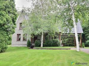 335 000$ - Maison à un étage et demi à vendre à Alma