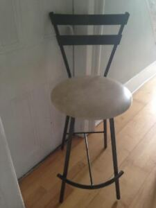 3 BAR STOOLS / ISLAND STOOLS    GREY METAL
