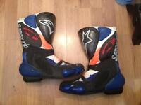 PAIR OF ALPINE STARS BOOTS GP SERIES, SIZE 43 RACING AHEAD SPORT BIKES. GOOD CONDITION