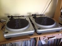 2 x Vestax PDX-2000 Direct Drive Turntables