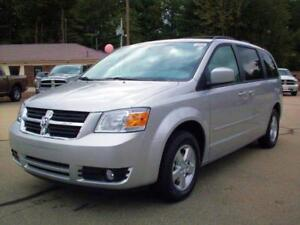 2009 Dodge Grand Caravan SXT SPORT-STOWN N GO--ONE OWNER VAN
