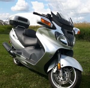 2006 Suzuki Burgman Scooter - 650 cc  TRADE FOR SMART CAR.