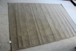Area Rug 5' x 7' -$10/- Move out Sale