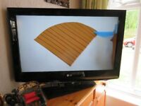 "LG HDTV 32"""