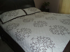 brand new king and queen quilt sets