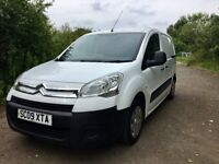**AMAZING VAN FOR SALE** **LONG MOT**