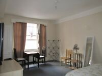 Holiday / Short term / Hyde park / Queensway / A very large and spacious studio apartment