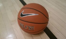 Mens 5v5 Basketball Chigwell School Wednesdays 8:30pm