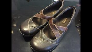 Brand new clarks bendables flats