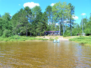 Beautiful Waterfront Cottage-sandy beach-magnificent view-