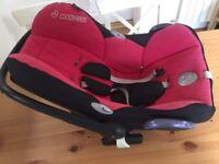 Maxicosi car seat and isofix base