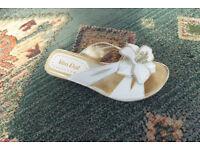 Ladies Van Dal Sandals Size 4
