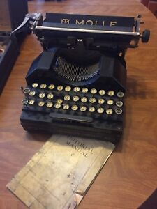 Antique Molle No.3 typewriter