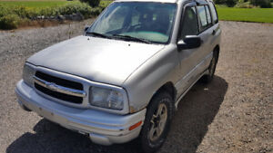 2002 Chevrolet Tracker LXT SUV, Crossover
