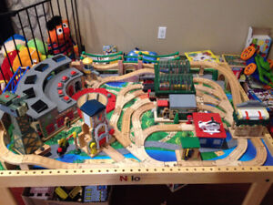 Thomas the engine table, chair and train sets