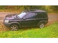 2 x land rover freelander both black spare or repair