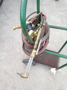 Oxy acetylene torch/tanks/regulators & cart (cutting torch)