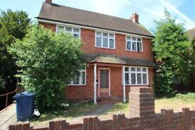 WEST WYCOMBE ROAD **STUDENTS WELCOME** *4 BEDROOM DETACHED