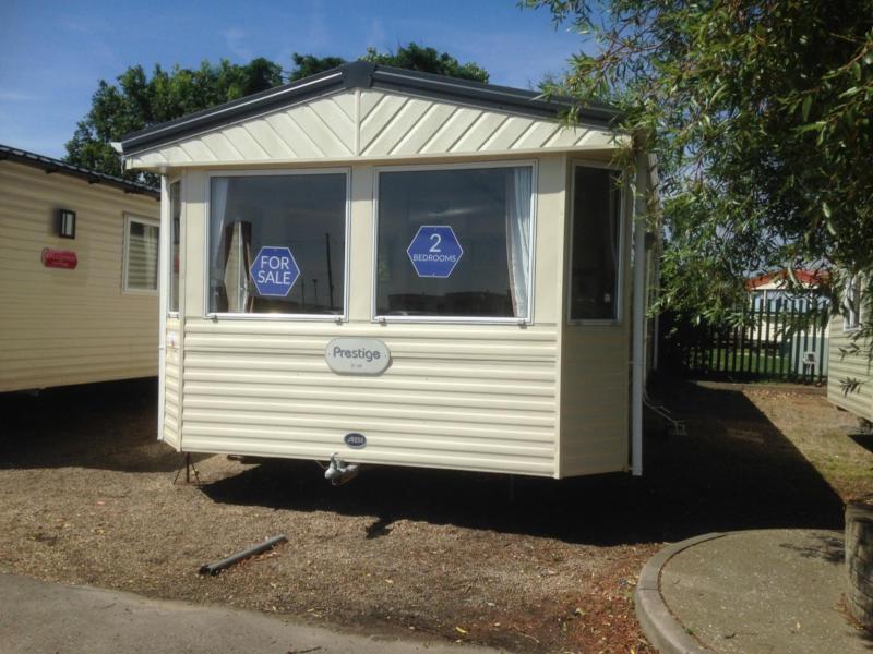 Static Caravan Clacton-on-Sea Essex 2 Bedrooms 6 Berth ABI Prestige 2009 St