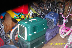 4 SMALL PET CARRIERS ONE WIRE FENCE DOOR AND 2 PIPES