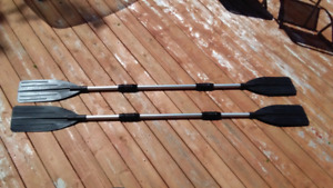2 Collapsible Paddles