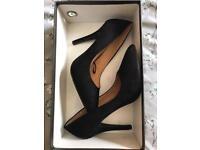 Bundle of 3 heels shoes ladies size 5