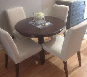 Price Reduced For Solid Wood Dinec Dining Table Plus 6 Chairs